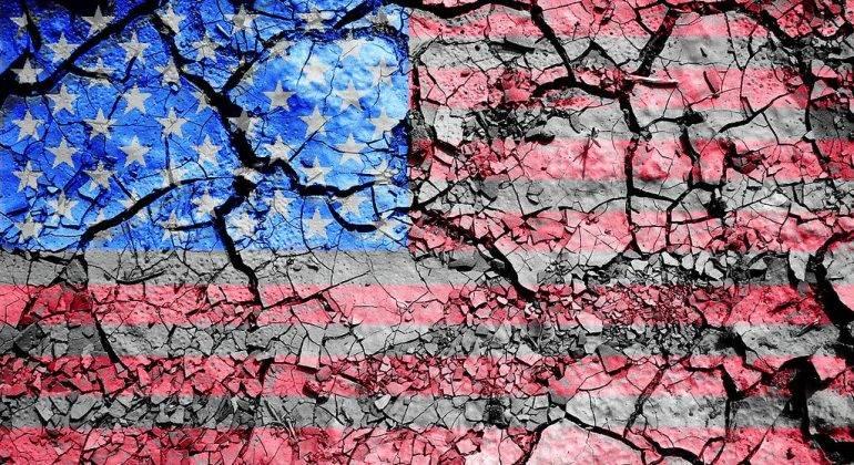 America, a super power in decline