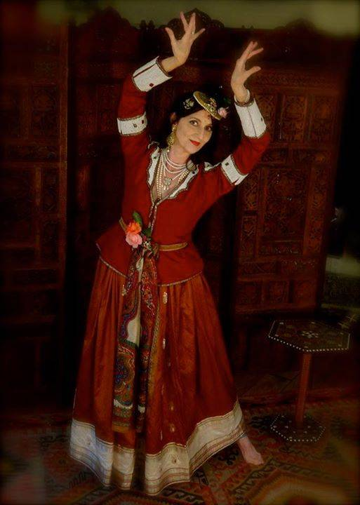Introduction to Qajar (19th century Persian court) Dance with Dr. Robyn Friend