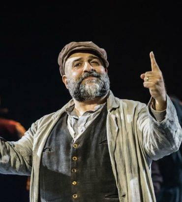Was Omid Djalili's Performance In 'Fiddler On The Roof' Any Good? Here's What The Reviews Say