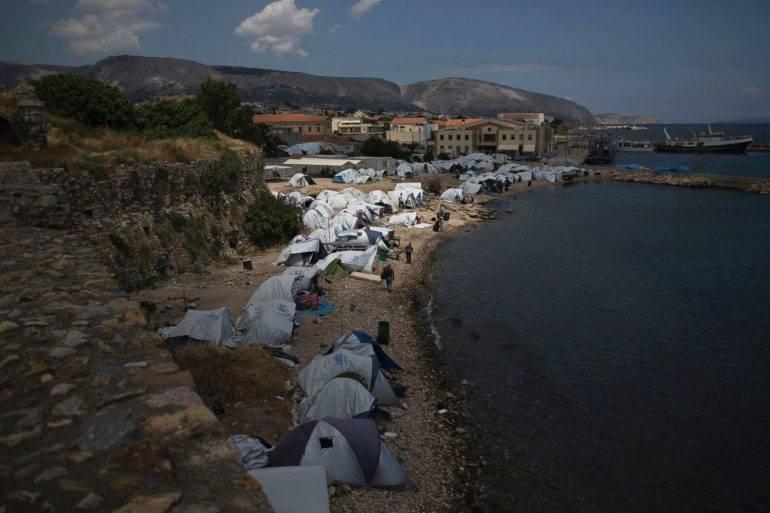 AP-01-Greece_Refugees-ps-170620_3x2_1600